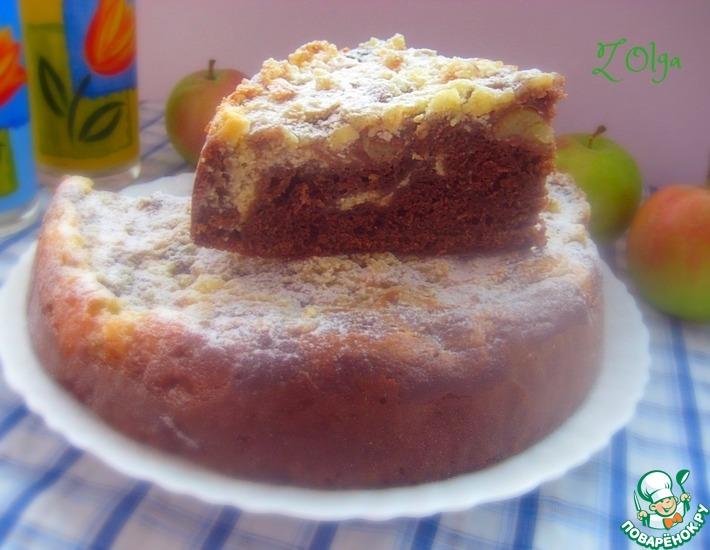 Рецепт: Шоколадно-творожный яблочный пирог