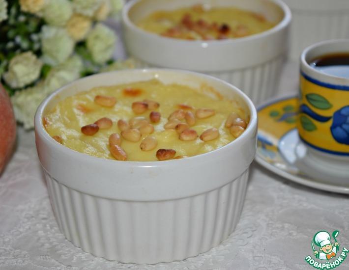 Рецепт: Заварной крем с персиками и орехами