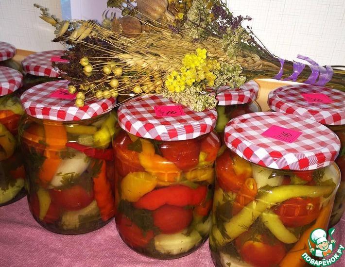 Рецепт: Маринованные помидоры со стручковым перцем
