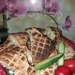 Лаваш грузинский на мангале с сыром