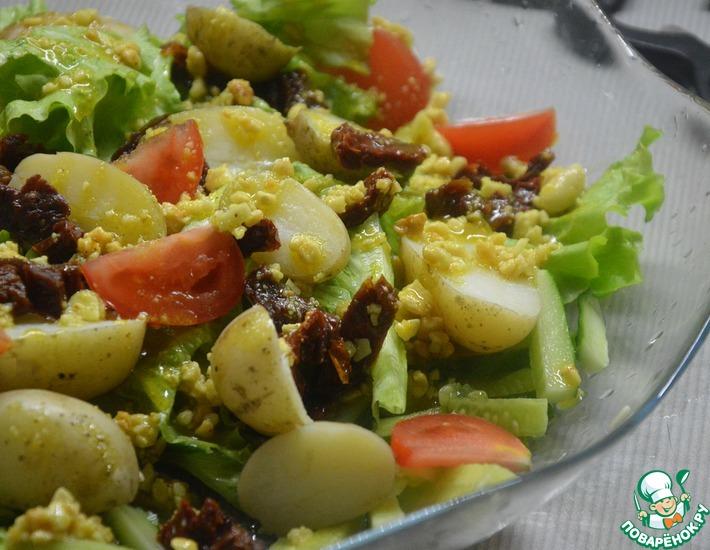 Рецепт: Теплый картофельный салат с вялеными томатами
