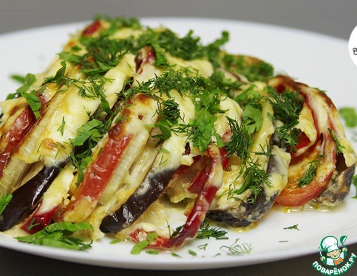 Рецепт: Баклажаны с овощами под сметанным соусом