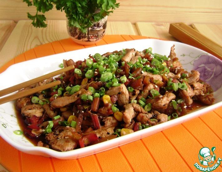 Рецепт: Стир-фрай из курицы с черешками мангольда