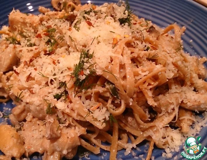 Рецепт: Лингуини с курицей и грибами