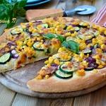 Белая летняя пицца с цуккини