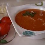Томатный суп-пюре с кальмарами