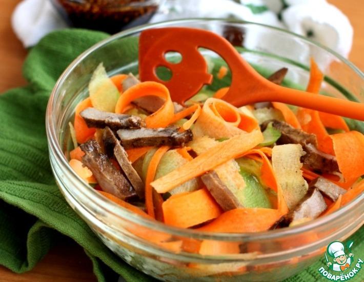 Рецепт: Салат с маринованным языком и овощами