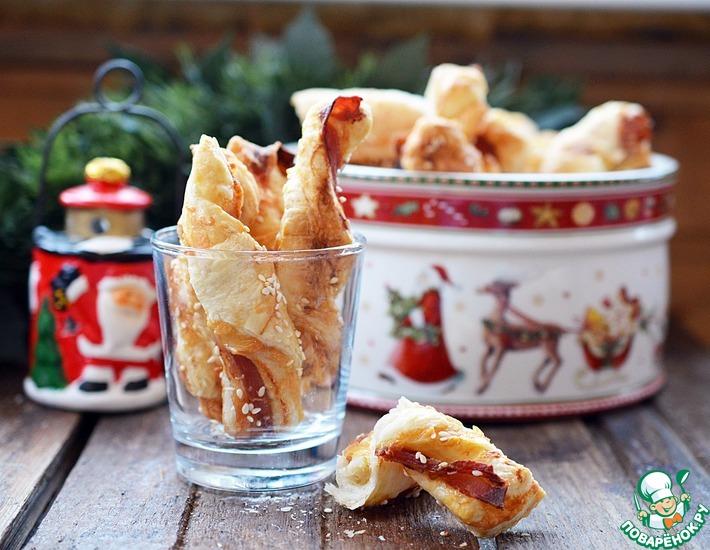 Рецепт: Слоеные палочки с сыром и беконом
