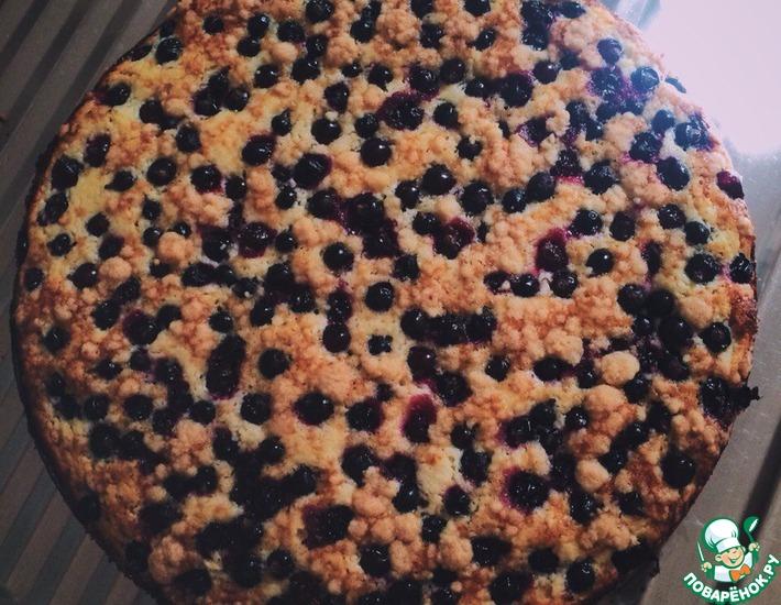 Рецепт: Тертый творожный пирог с черной смородиной