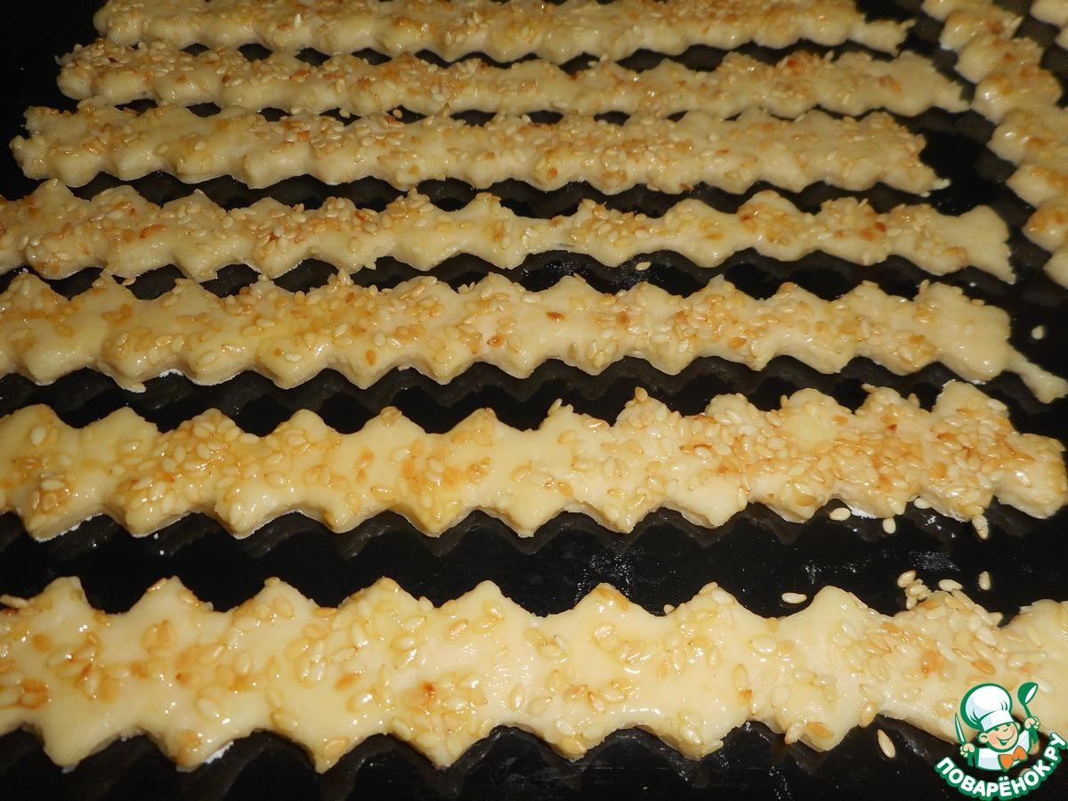 Сырные палочки с кунжутом