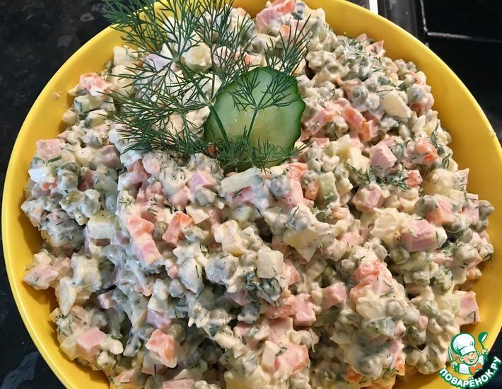 Рецепт: Kлассический салат Oливье c докторской колбасой