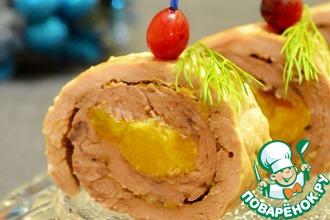 Рецепт: Свиной рулет с мандаринами на шпажках