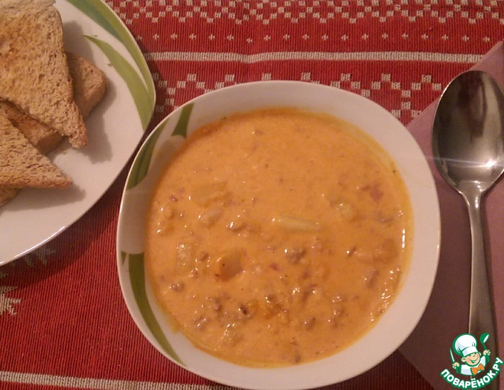 Рецепт: Суп с фаршем, беконом и фасолью