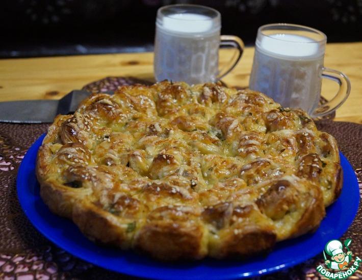 Рецепт: Слоеный пирог с мясом и сыром