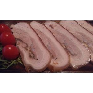 Рулет из свинины с грецкими орехами