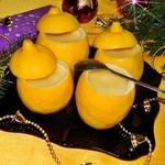 Лимонный пудинг в лимонах