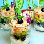 Салат с зернёным творогом и креветками