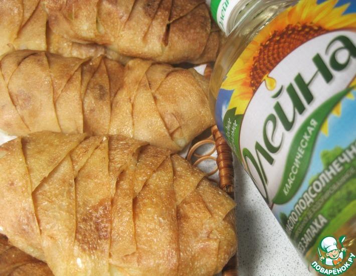 Рецепт: Пирожки с картошкой и маринованными огурцами
