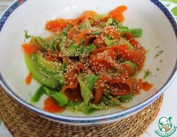 Рецепт: Ленточный салат из кабачка и моркови