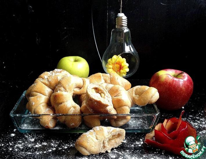 Рецепт: Рогалики из цельнозерновой муки с фруктами