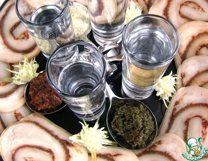 Рецепт: Рулет из свиной брюшины фуршетный