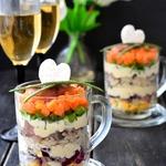 Салат с микс-рисом и сельдью