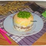 Слоеный паштетный салат