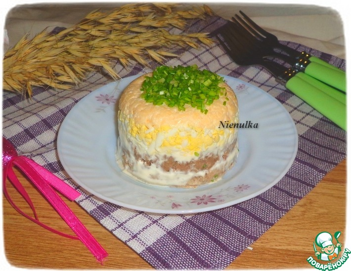 Рецепт: Слоеный паштетный салат