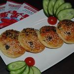 Маленькие закусочные пирожки Инь-Ян