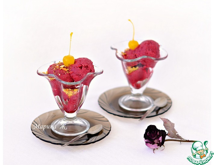 Рецепт: Зефирно-вишневое мороженое