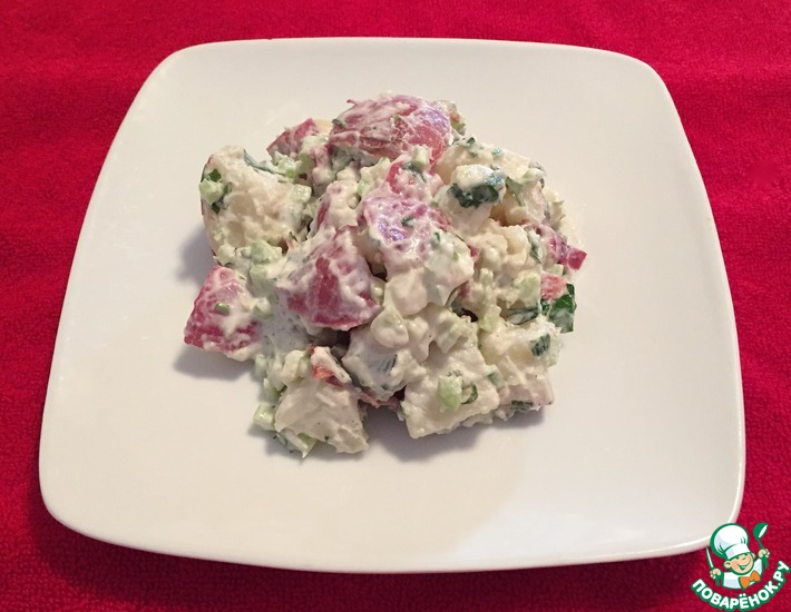 Рецепт: Салат из красного картофеля в сметанном соусе
