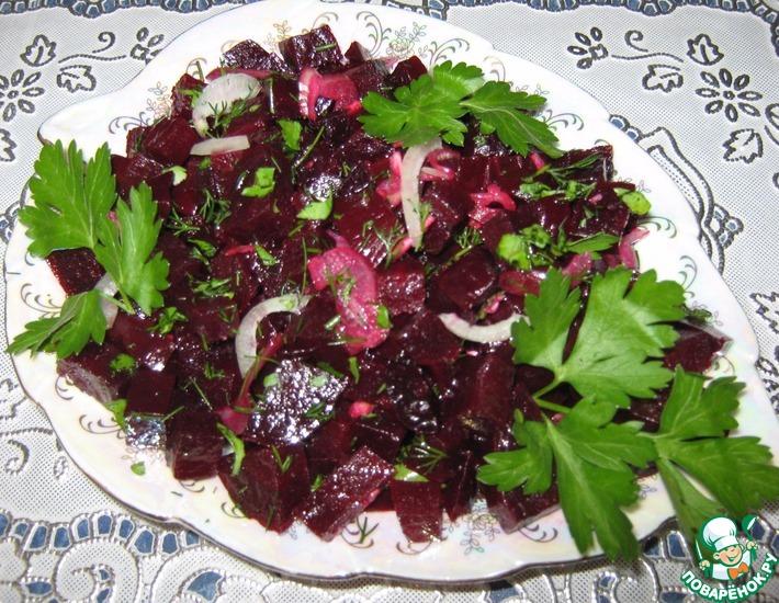 Рецепт: Витаминный салат из свеклы