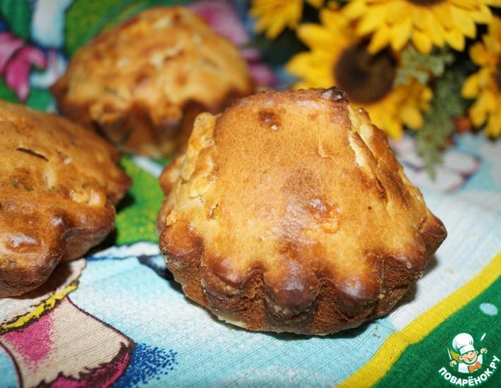 Рецепт: Кексы с копченой курицей и сыром