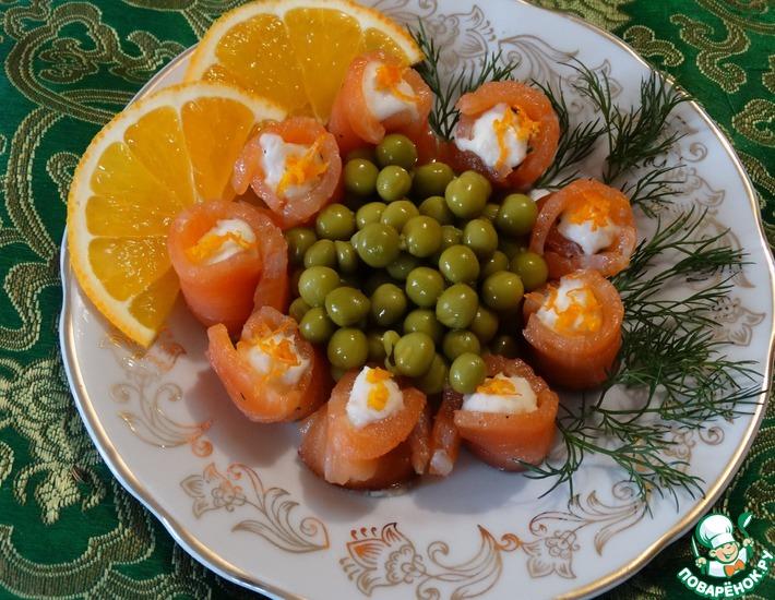 Рецепт: Семга с пикантной ноткой и ложным маслом