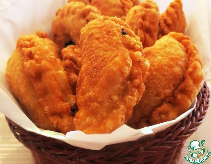 Рецепт: Жареные слоеные пирожки с картофельно-мясной начинкой