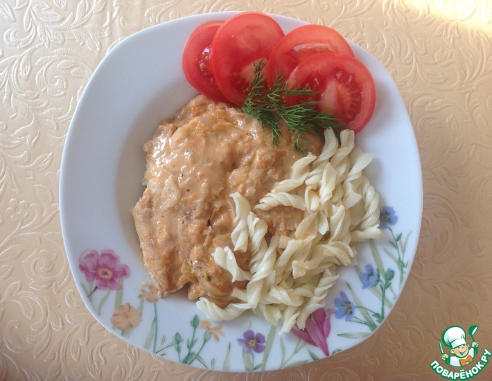 Рецепт: Хек в сливочно-томатном соусе