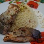 Голец с пряным рисом и сливочным соусом