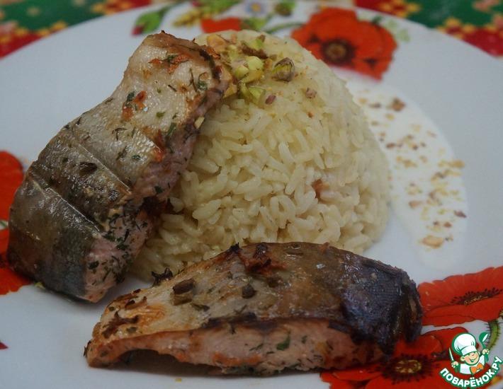 Рецепт: Голец с пряным рисом и сливочным соусом