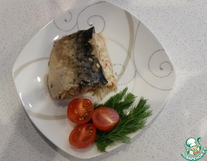 Рецепт: Скумбрия запечёная в фольге с начинкой