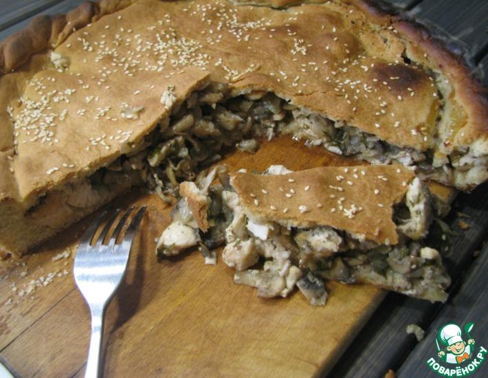 Рецепт: Пирог на огуречном рассоле с курицей и грибами