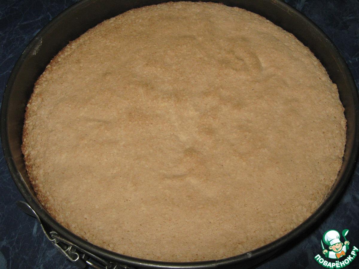 Фруктовый торт с шоколадным кружевом