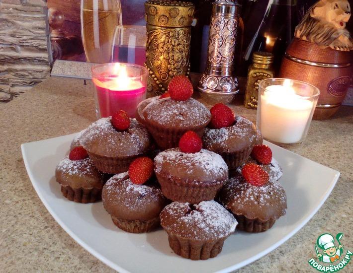 Рецепт: Шоколадные маффины с клубникой