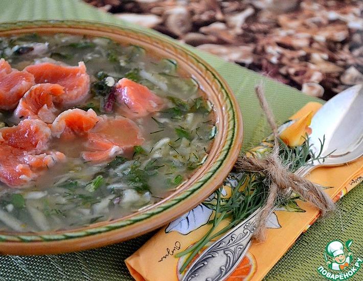 Рецепт: Окрошка с ботвой свеклы и красной рыбой