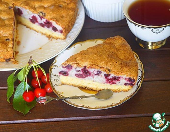 Рецепт: Пирог с вишней на песочном корже