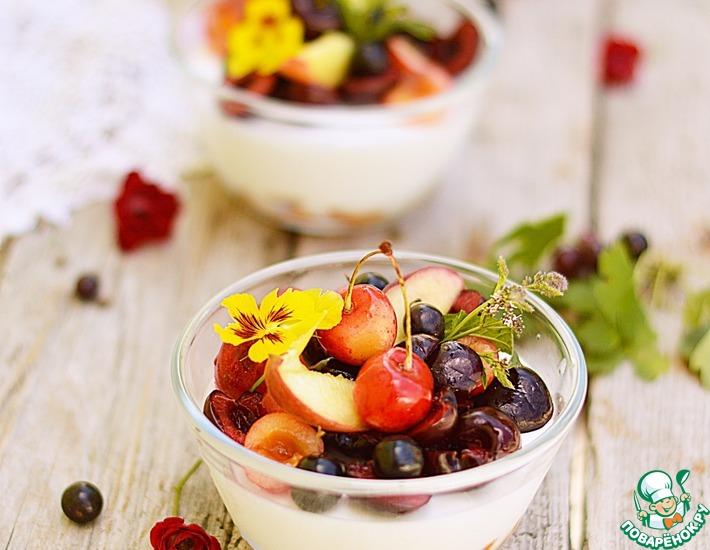 Рецепт: Сметанное желе с фруктами