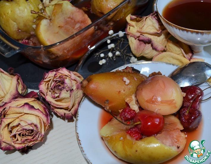 Рецепт: Фрукты, томленные в квасе с медом