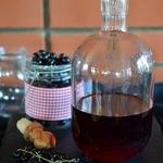 Уксус из черной смородины с тимьяном