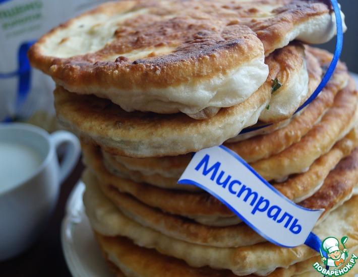 Рецепт: Лепешки на кефире с пшеном и брынзой