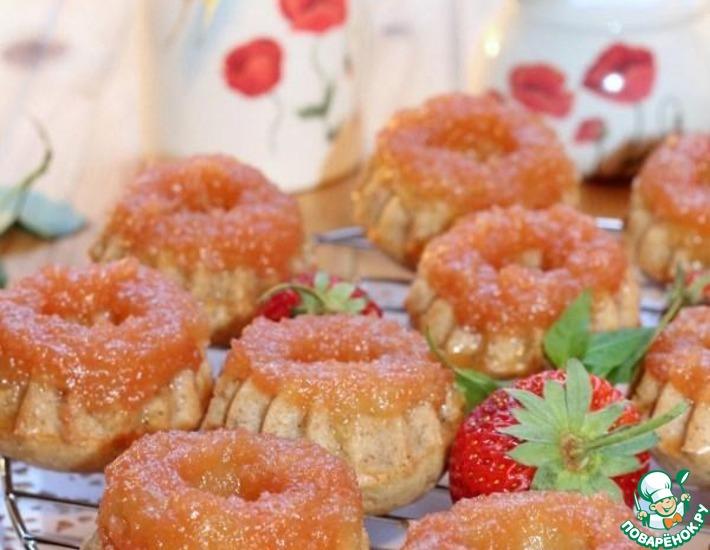 Рецепт: Ананасово-клубничные кексы