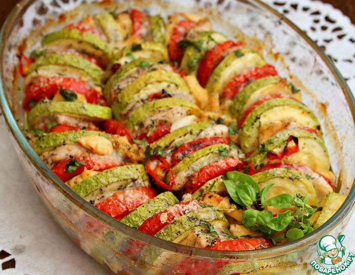 Рецепт: Легкая овощная запеканка с куриной грудкой